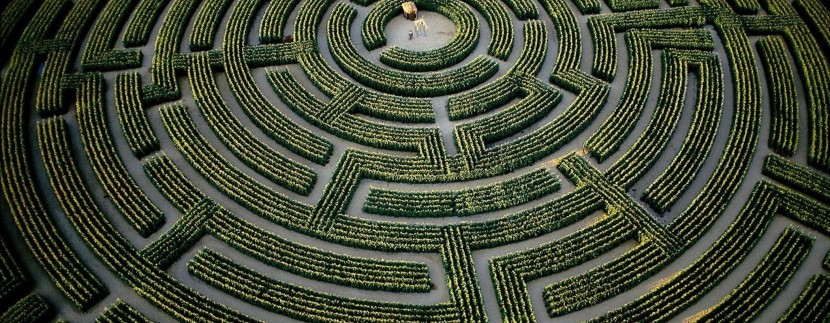 france-mazes-hedges-labrinth-2048x1152-wallpaper